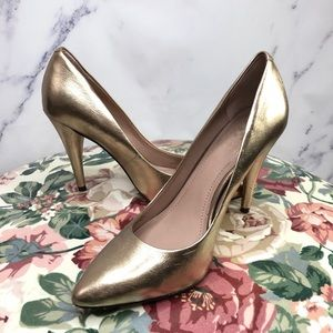 """Vince Camuto """"Heath"""" Pointed-Toe Pump Size 6"""
